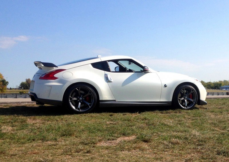 2014-Nissan-370Z-NISMO-Full-Driven-Review10-800x567