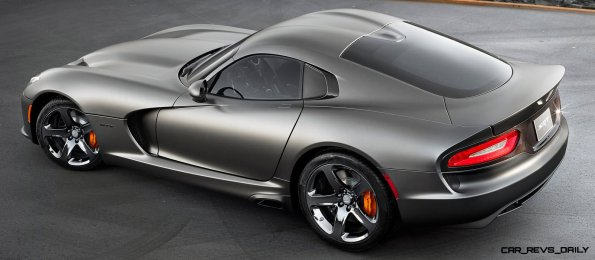 2014 SRT Viper Brings Hot New Styles and Three New Colors18