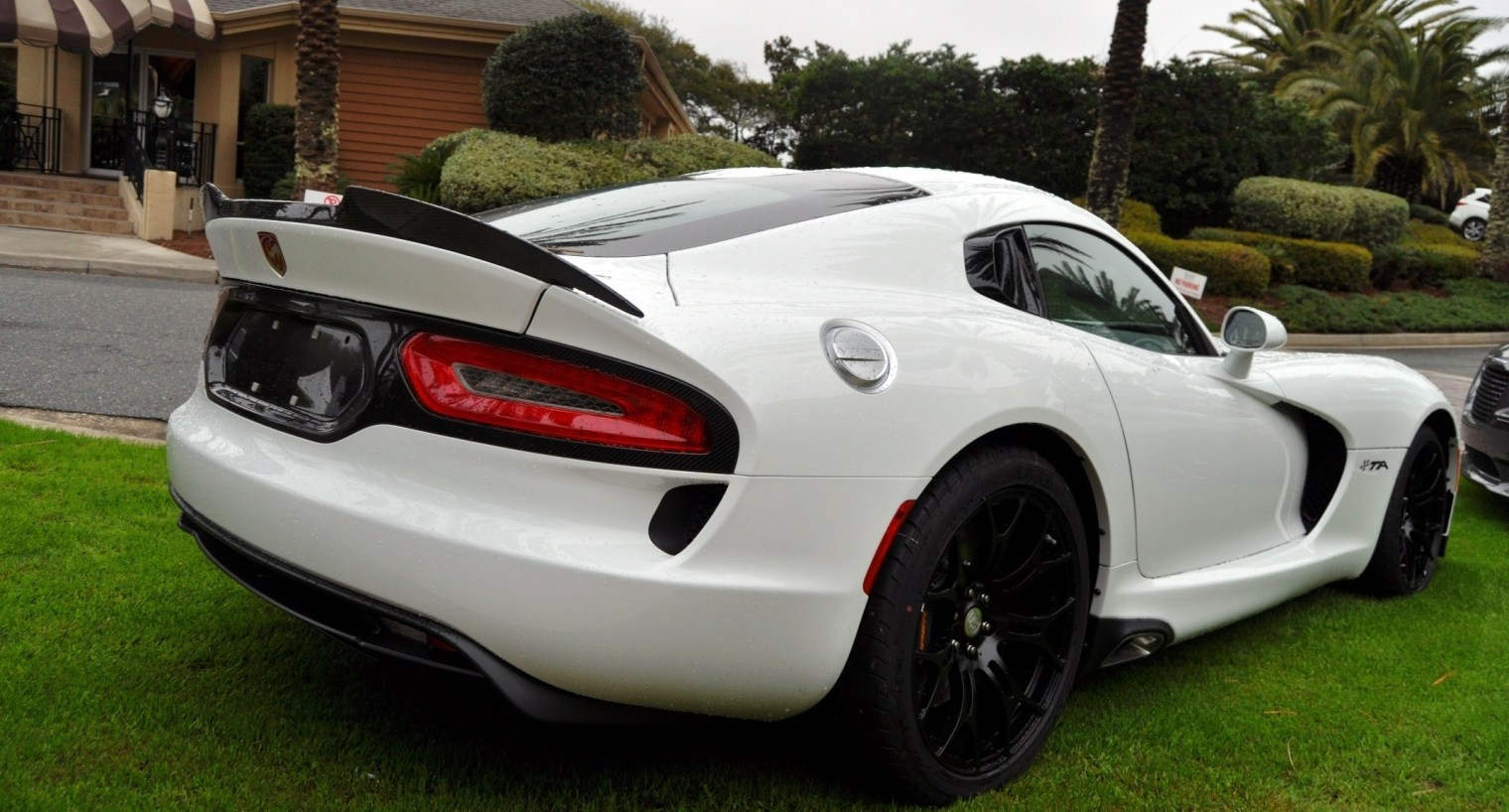 2014 SRT Viper TA in 25 All-New, Real-Life Photos with Carbon Aero Styling Options 14