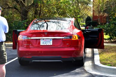 2014 TESLA Model S 85 -- Road Test Video Review -- 1500-words -- 250 Images -- Smooth Power, Great Dynamics, Unequivocal EV Brilliance 3