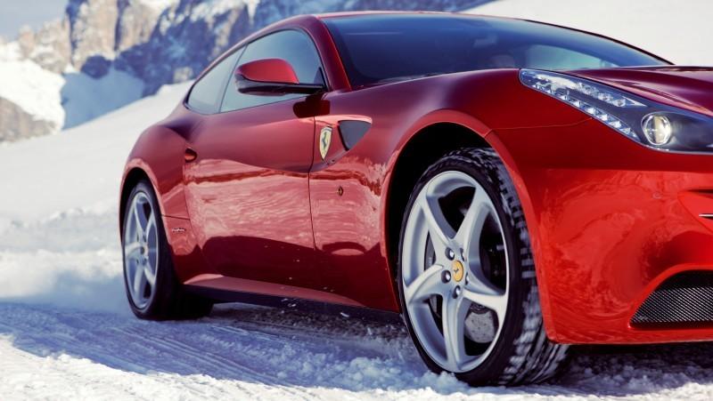 Car-Revs-Daily.com -- Ferrari FF is Monday-Sunday V12 Supercar 219