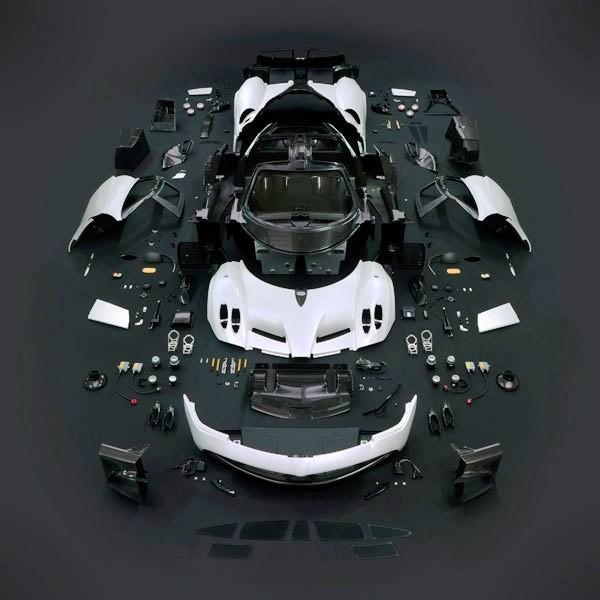 Car-Revs-Daily.com -- Supercar Showcase -- PAGANI HUAYRA 32