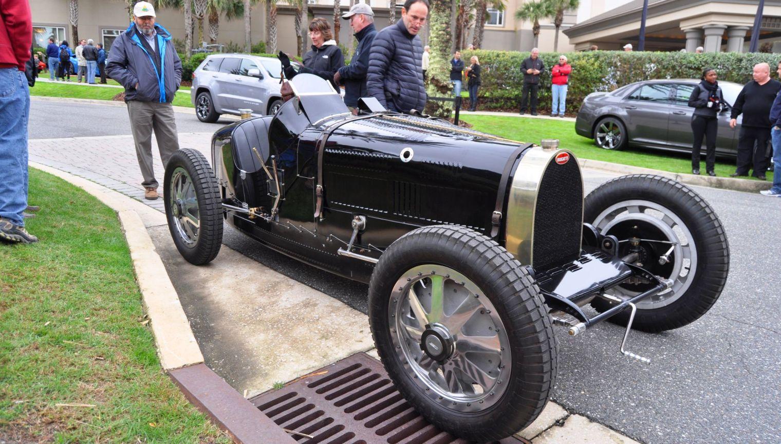 PurSang Argentina Shows Innovative Marketing with Street-Parked 1920s Bugatti GP Car22
