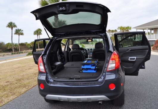 Three-Part HD Road Test Review + 60 Photos -- 2014 Chevrolet Captiva Sport LT -- Euro-Capable, High-Speed EconoCross!41