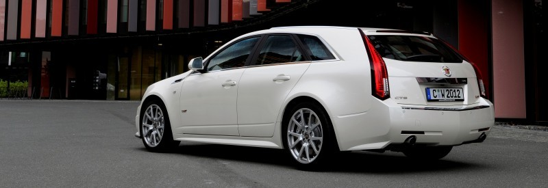 004_Cadillac_CTS-V_Sport_Wagon