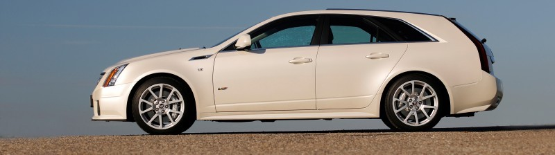 034_Cadillac_CTS-V_Sport_Wagon