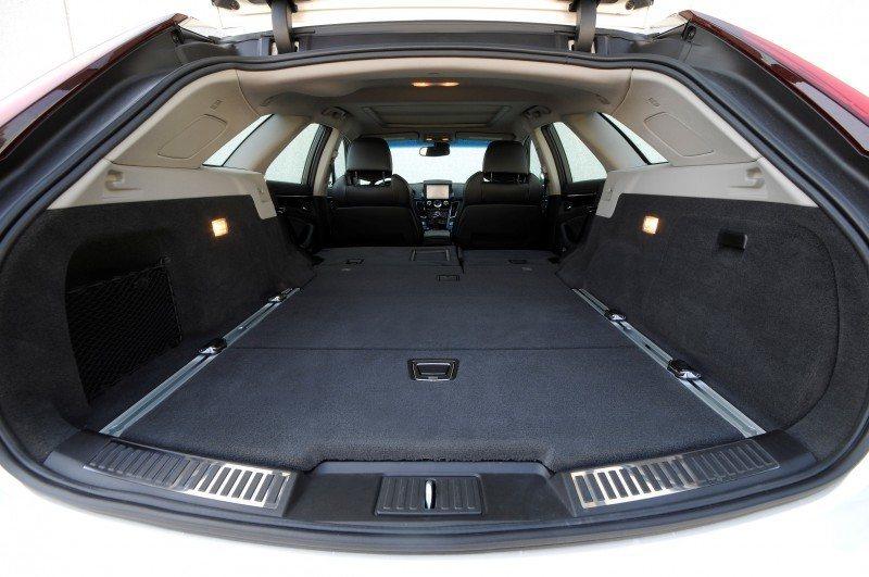 055_Cadillac_CTS-V_Sport_Wagon