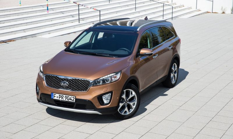 2016 Kia Sorento Debuts in Paris With Jaguar-Baiting Style at Ford Prices 47