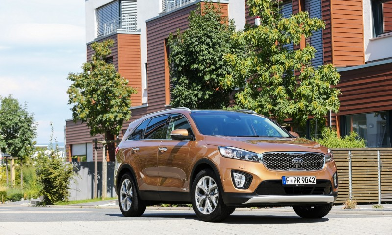 2016 Kia Sorento Debuts in Paris With Jaguar-Baiting Style at Ford Prices 51