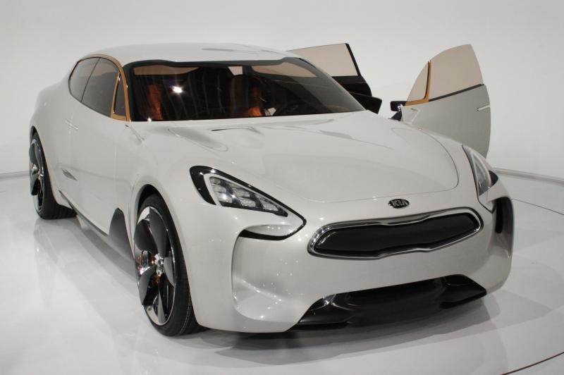 2011 Kia GT 37