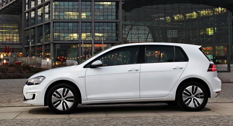 2015 Volkswagen e-Golf 1