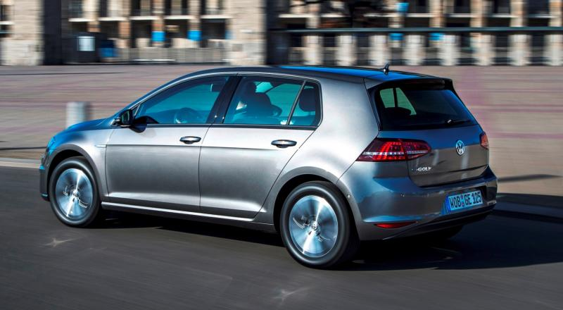 2015 Volkswagen e-Golf 19