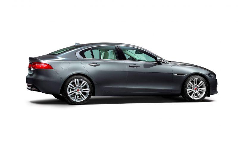 2016 Jaguar XE 17
