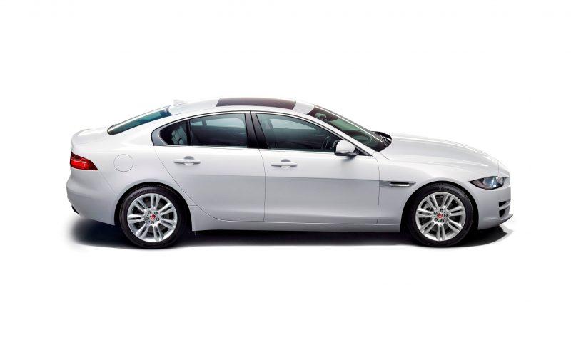 2016 Jaguar XE 32