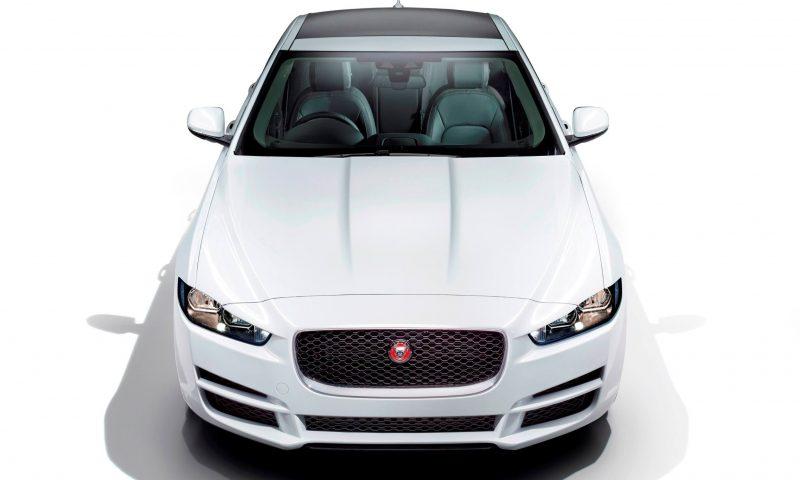 2016 Jaguar XE 33