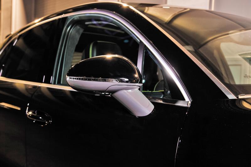TECHART_for_Porsche_Macan_side_mirror_painted