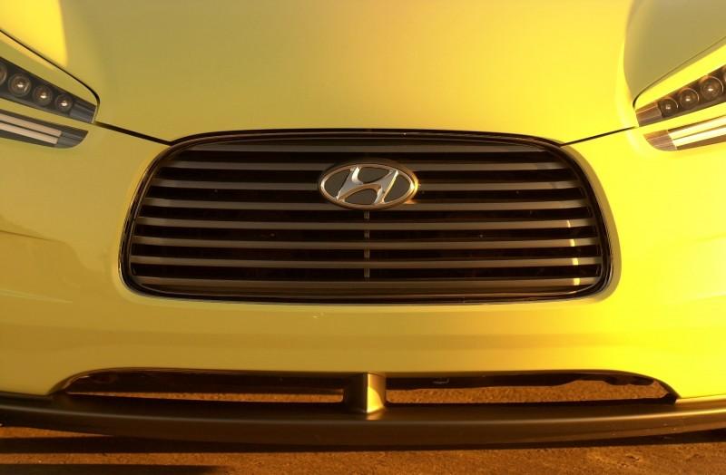 2004 Hyundai HCD-8 Sports Tourer Concept 12