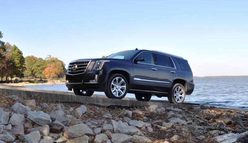 2015 Cadillac Escalade Luxury AWD 61