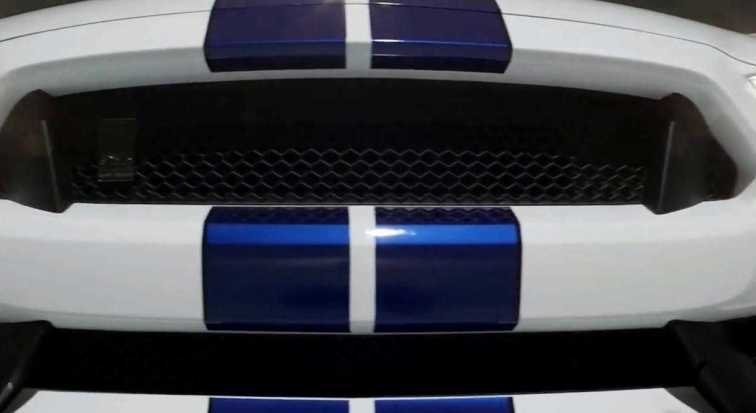2016 SHELBY GT350 Mustang White 37