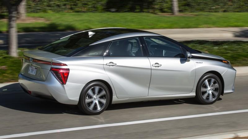 2016 Toyota Mirai 39