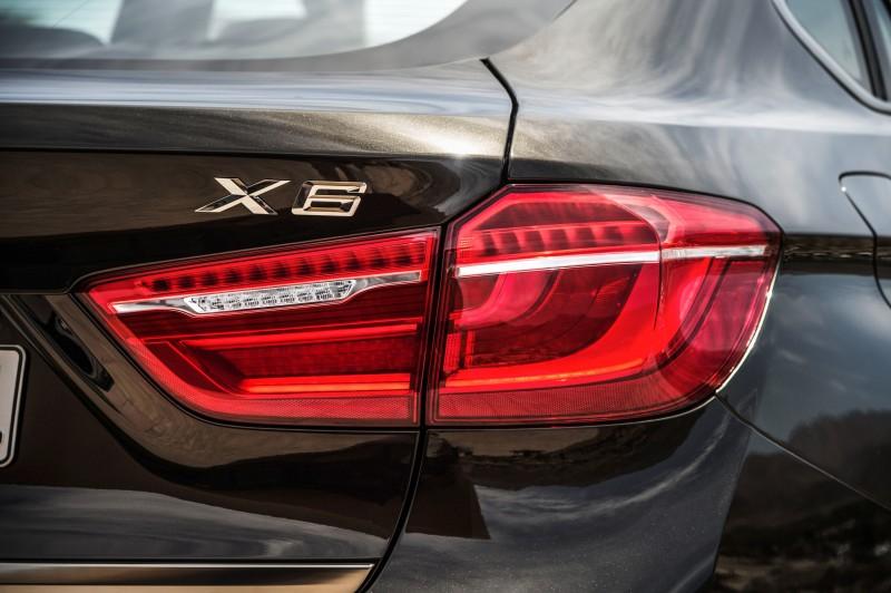 2015 BMW X6 Debuts Tech-tastic 445HP xDrive50i and New Rear-Drive sDrive35i 28