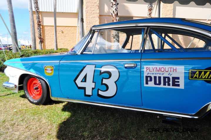 1960 Plymouth Fury NASCAR 32