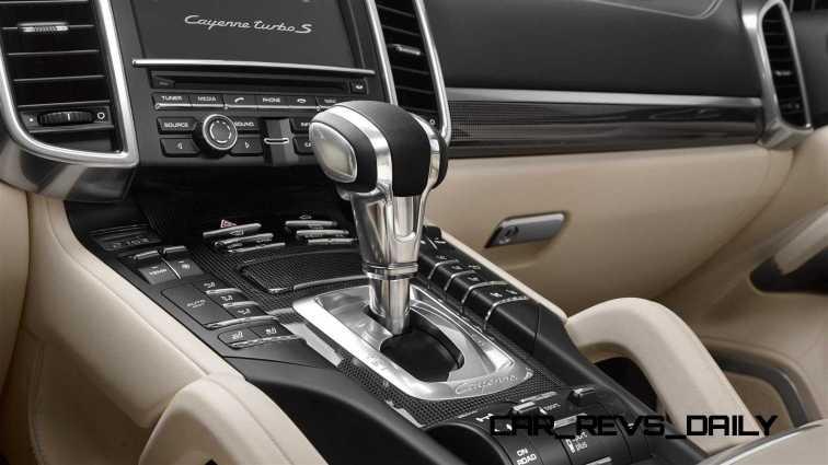 2015 Porsche Cayenne Turbo S 8