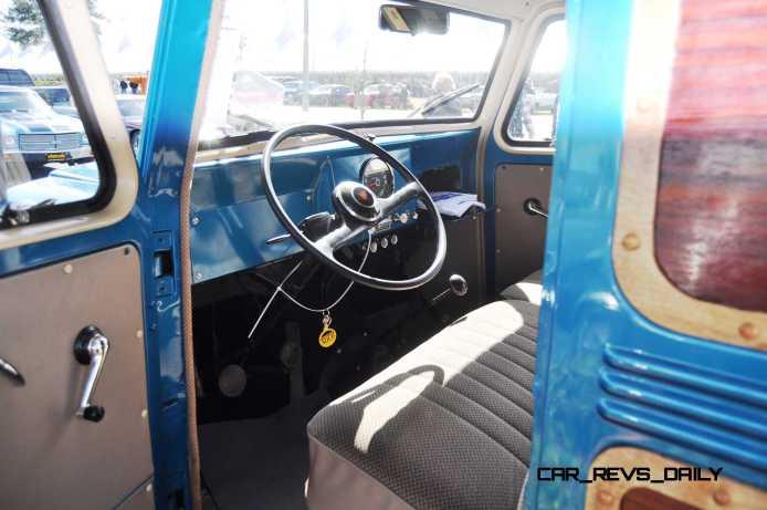 Mecum 2015 Florida Faves - 1962 Willys JEEP Utility Wagon 1