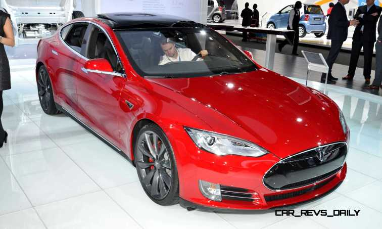 NAIAS 2015 Showfloor Gallery - Day Two in 175 Photos 37