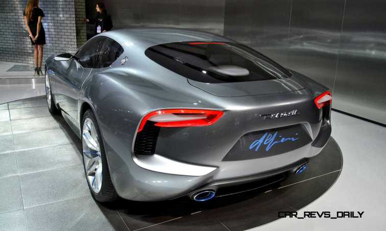 NAIAS 2015 Showfloor Gallery - Day Two in 175 Photos 9
