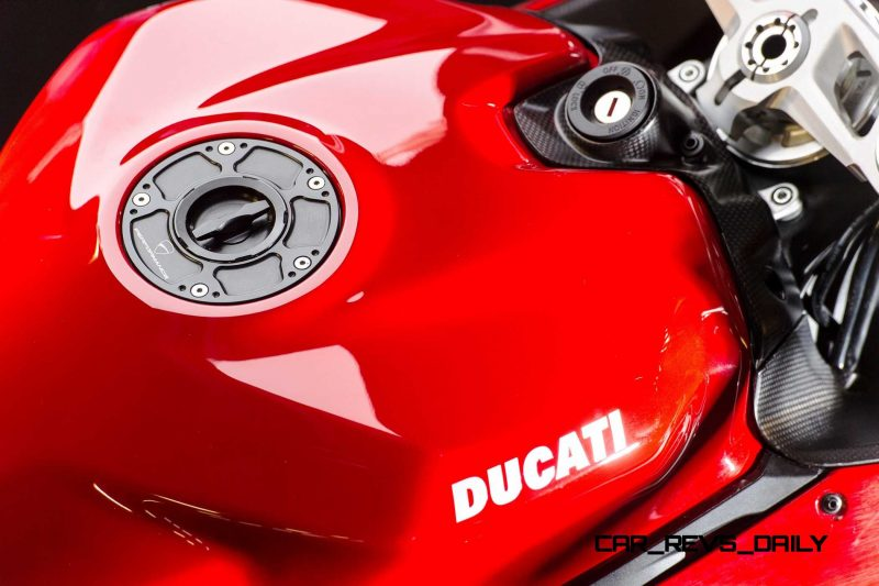 129-1299PanigaleS_accessoriesed_31