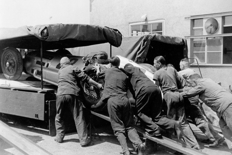 1954 Mercedes-Benz 'Blue Wonder' Race Transporter 6