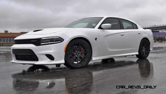 2015 Dodge Charger SRT HELLCAT Review 29