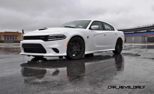2015 Dodge Charger SRT HELLCAT Review 30