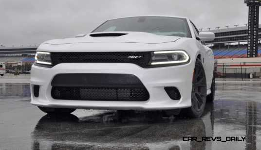 2015 Dodge Charger SRT HELLCAT Review 35