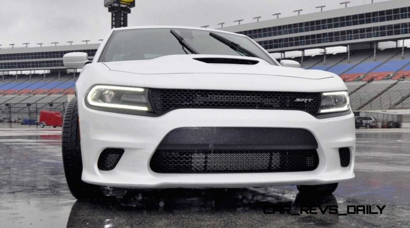 2015 Dodge Charger SRT HELLCAT Review 38