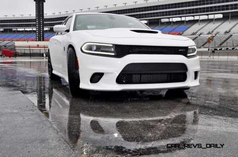 2015 Dodge Charger SRT HELLCAT Review 39