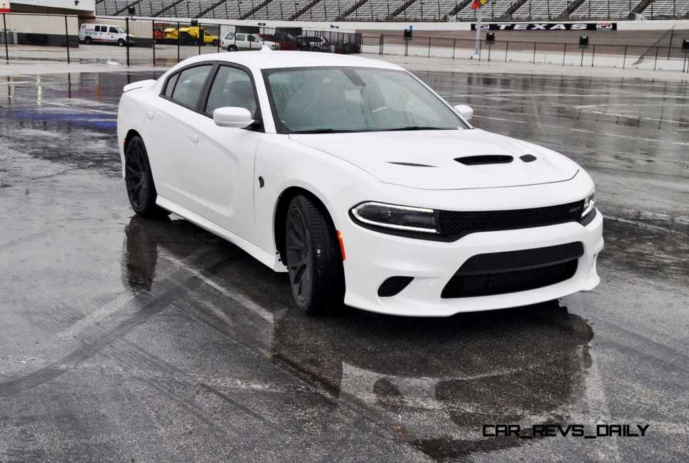 2015 Dodge Charger SRT HELLCAT Review 42