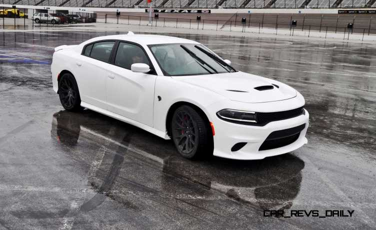2015 Dodge Charger SRT HELLCAT Review 44