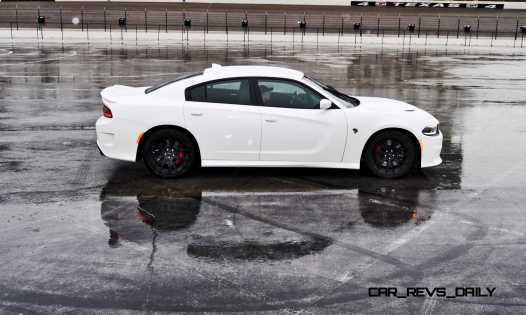 2015 Dodge Charger SRT HELLCAT Review 52