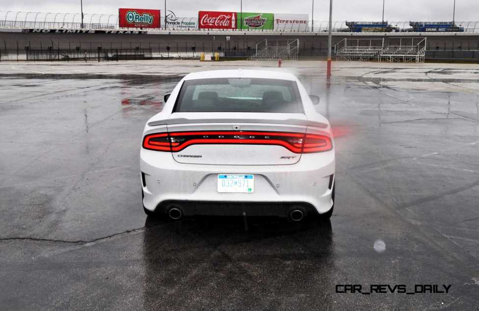 2015 Dodge Charger SRT HELLCAT Review 70