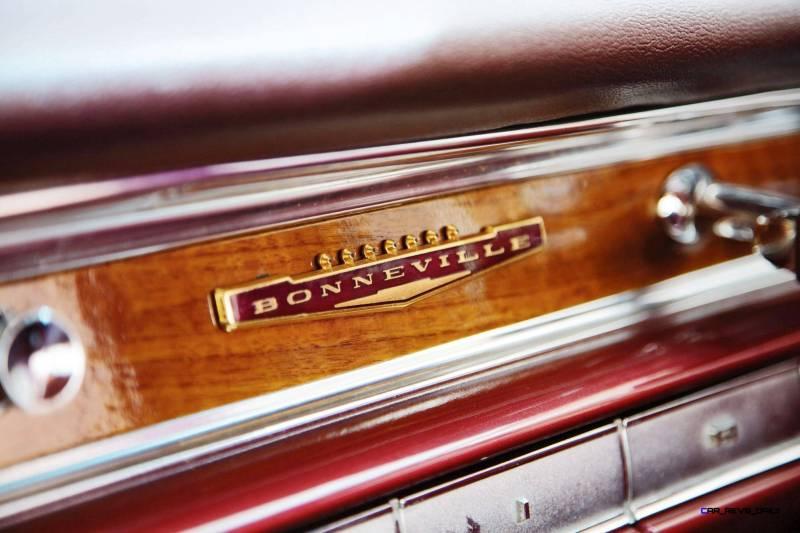 1960 Pontiac Bonneville Sport Coupe 13