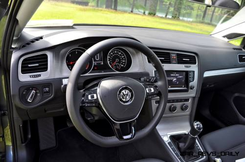 2015 VW Golf Sportwagen TDI SE 17
