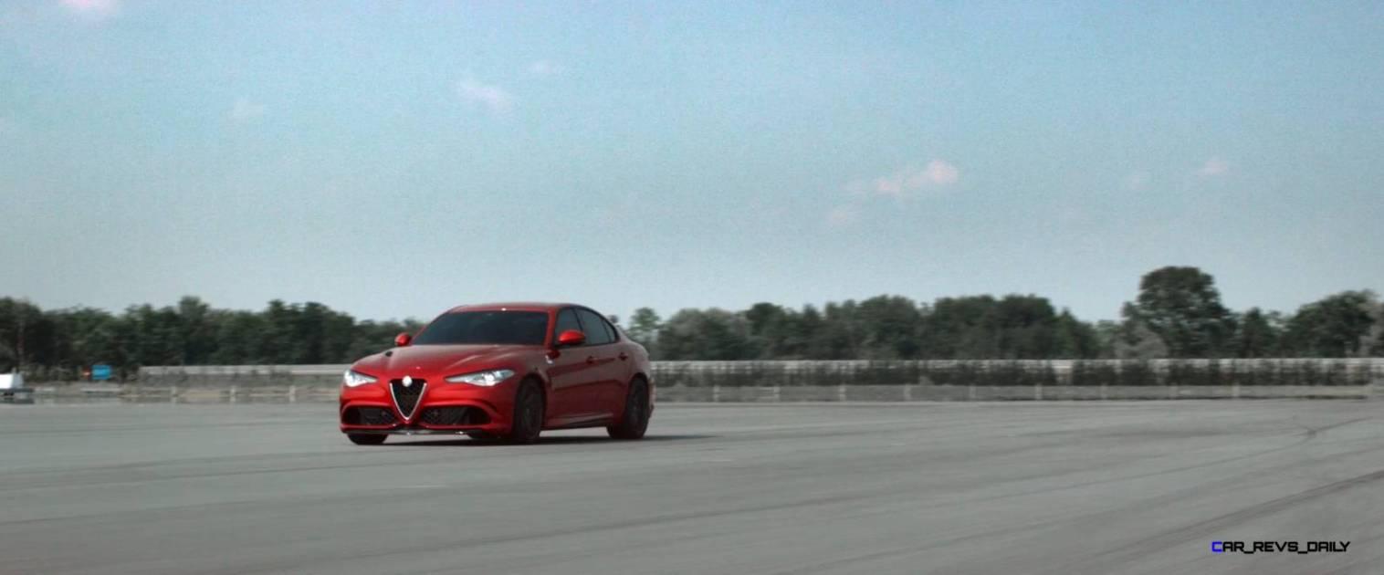 2016 Alfa Romeo Guilia Dynamic Screencaps 44