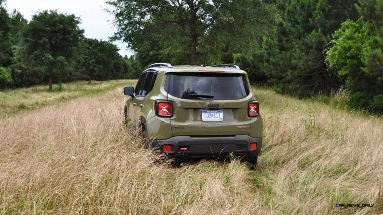 2015 Jeep RENEGADE Trailhawk Review 29