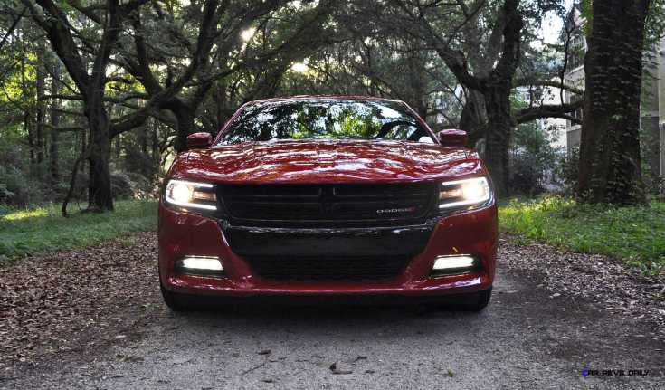 2015 Dodge CHARGER RT 27