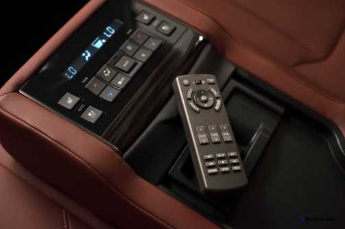 2016 Lexus LX570 30