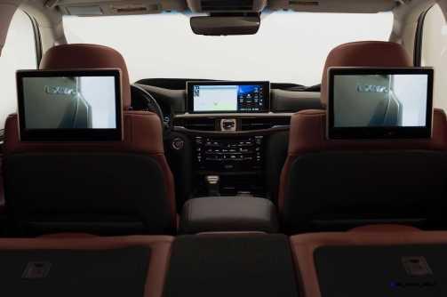 2016 Lexus LX570 31