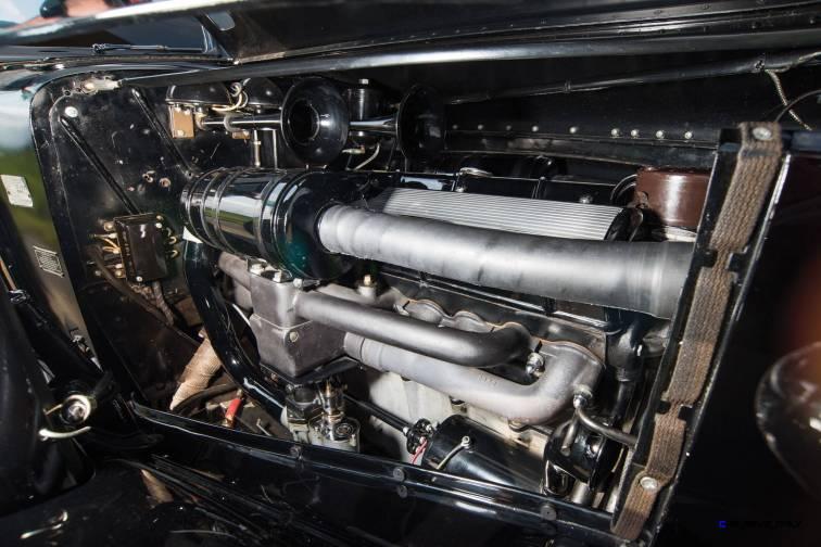 1937 Cadillac V16 Fleetwood Limousine 4
