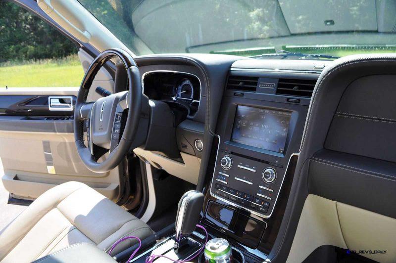 2015 Lincoln NAVIGATOR 4x4 Reserve - Interior Photos 12
